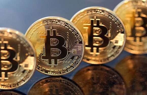 Bitcoin slid to $9,000 from $11,395 in less than 24 hours