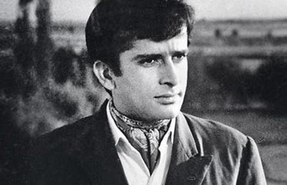 Veteran actor Shashi Kapoor passes away at the age of 79