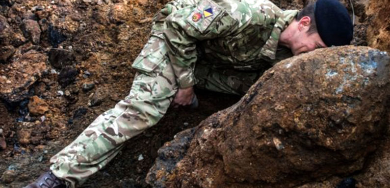 London airport shuts down as WW II bomb was found in the Thames
