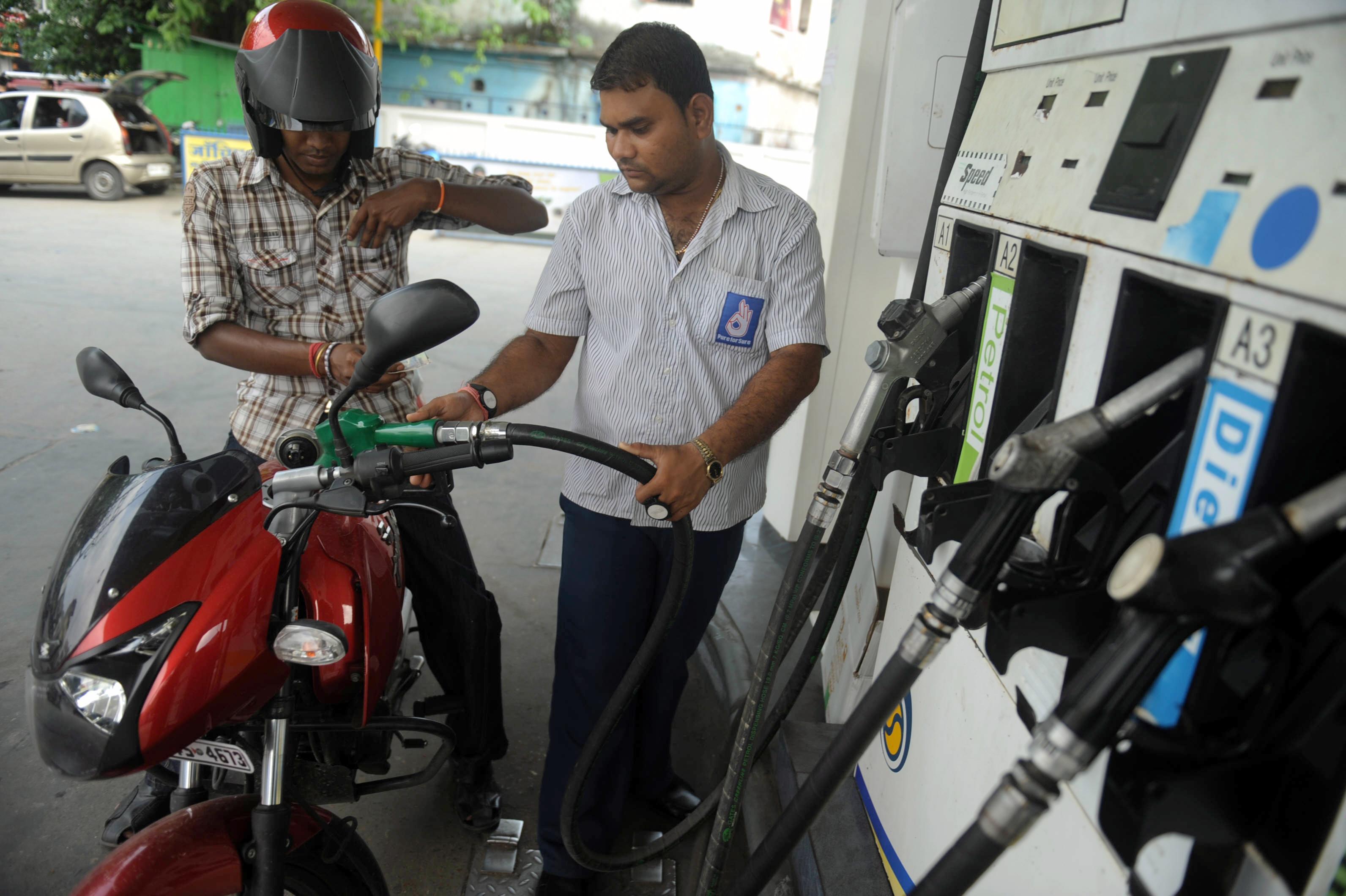 INDIA-ENERGY-PETROL