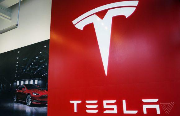 Tesla shares take a dive following report it is seeking refunds